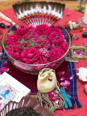 Floweraltar Wombwisdom Jasmin Muzio & Ayla Schafer
