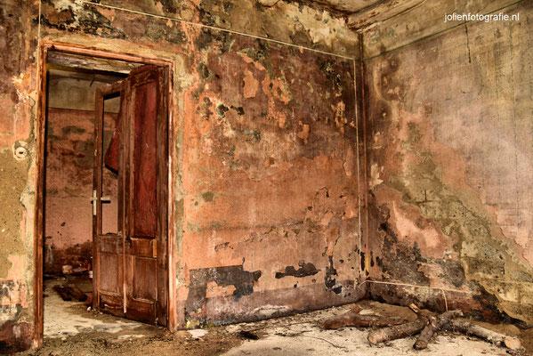 120.Casa abandonata (verlaten huis)