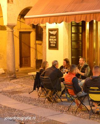 52Orta San Giulio bij avond.