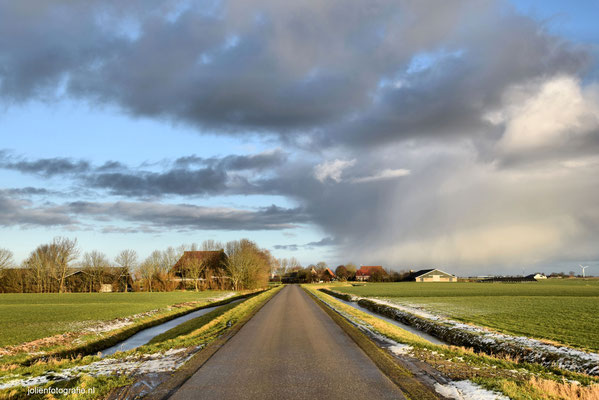 193. Friesland, tussen Sneek en Bolsward