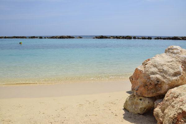 89. Mambo beach