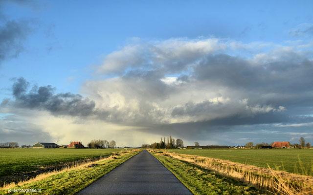 187.Friesland, tussen Sneek en Bolsward