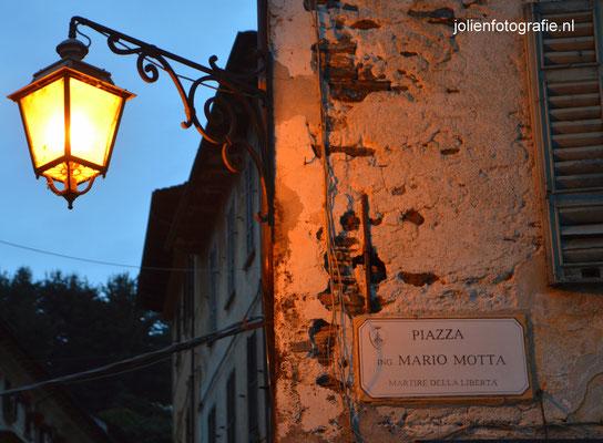 77.Orta San Giulio bij avond