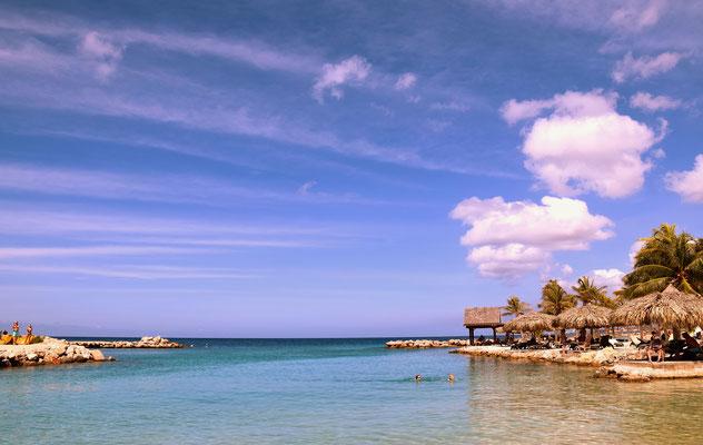 63. Mambo beach