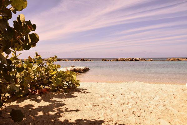 70. Mambo beach