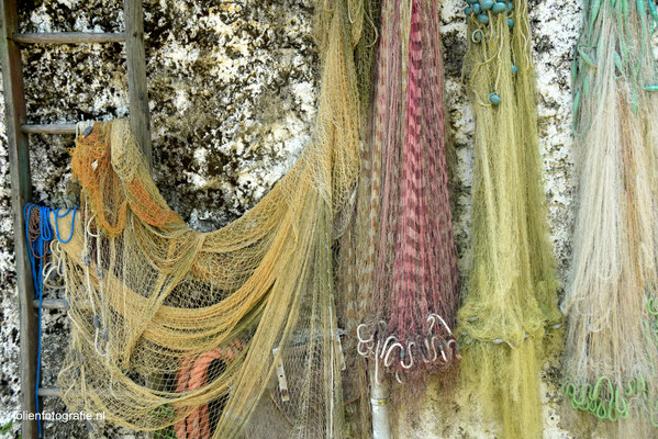 129.Visnetten op Isola dei Pescatori, visserseiland in het Lago Maggiore