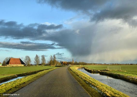 190.Friesland, tussen Sneek en Bolsward