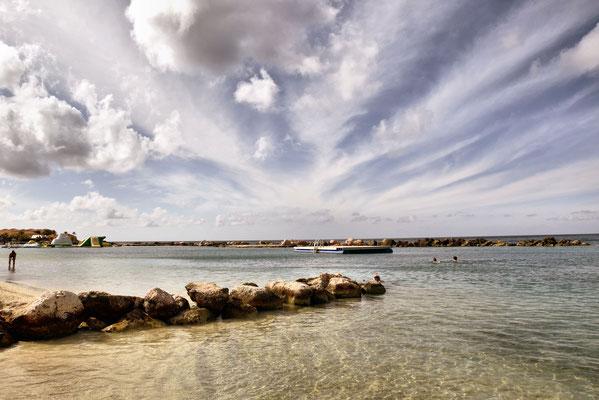 80. Mambo beach