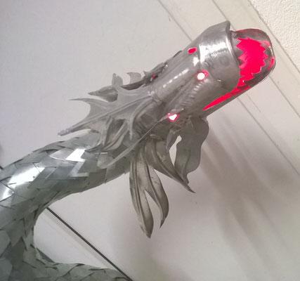 Drache mit Feuer (Licht)