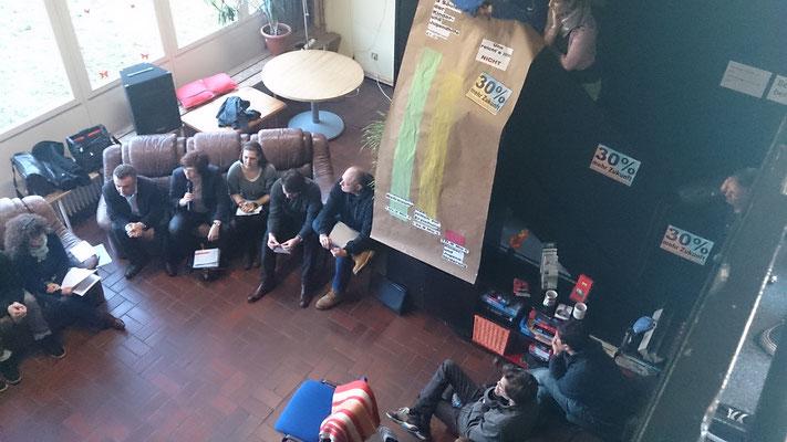 Moderierte Podiumsdiskussion während des Wahlkampfes am 17.03.2015 im Freizi Oslebshausen