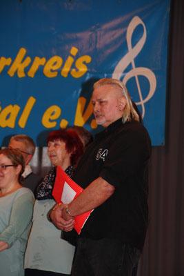 Chris König, Chorleiter des Frauenchores Rauschenberg