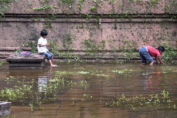 ANGKOR WAT, CAMBODIA - 2004