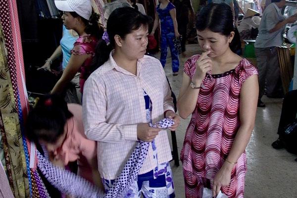 HO CHI MINH CITY, VIETNAM - 2004