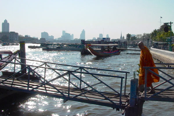 BANGKOK, THAILAND - 2003