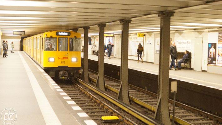 U-Bahnhof Theodor-Heuss-Platz