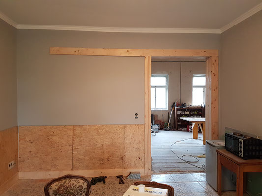 Türzarge, Schiebetür vorbereitet, Holz an die Wand...