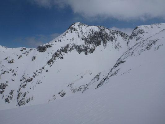 Pointe du Montcalm - versant Sud Ouest.