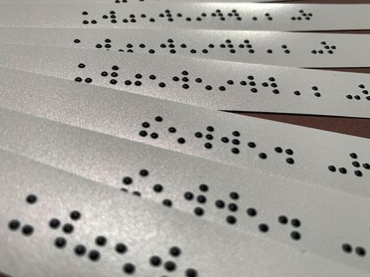 Aufkleber in Brailleschrift