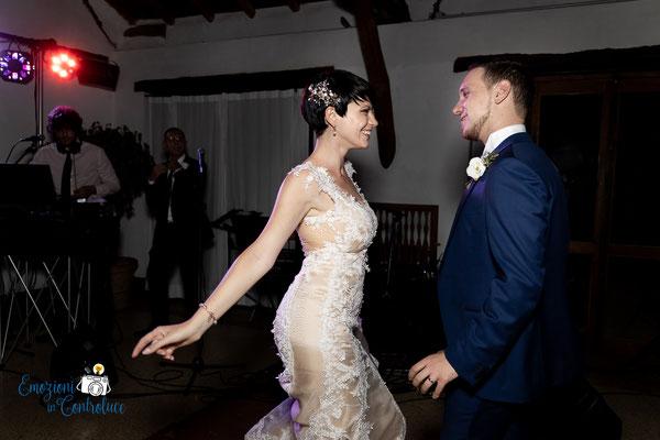 Balli dopo il matrimonio al Borgo di Tragliata, Roma