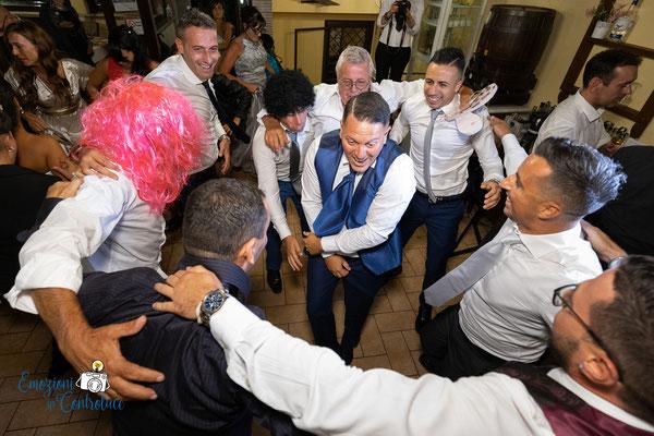 Le fotografie della festa dopo il matrimonio