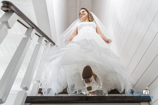 Danilo ed Erica: fotografie dell'uscita della sposa