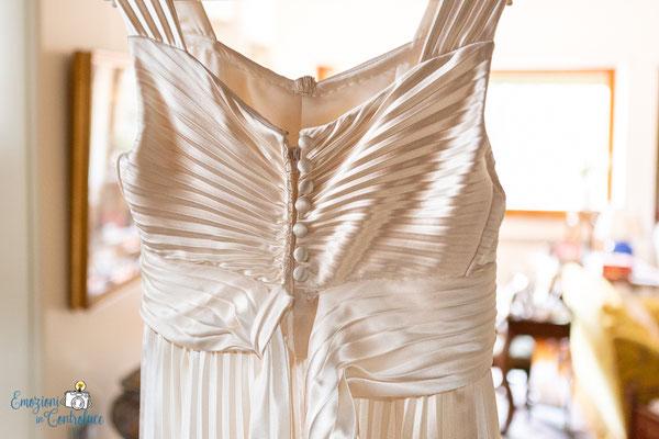Claudio e Annamaria - dettagli del vestito da sposa
