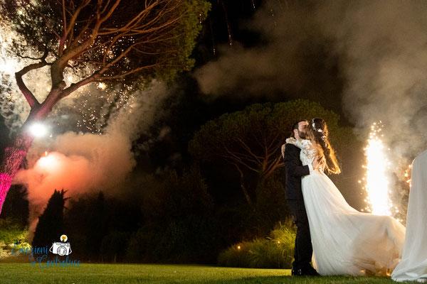 Fuochi d'artificio per gli sposi dopo il taglio della torta - Villa Rosantica