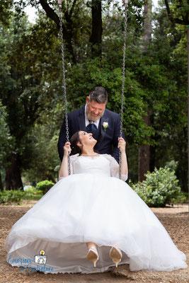 Momento relax: gli sposi a passeggio a Frascati