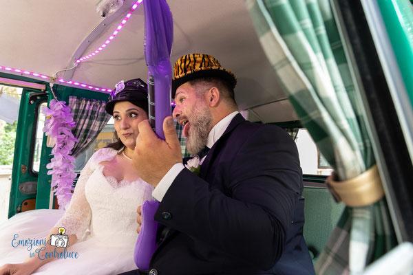 """Gli sposi ed il photobooth di """"Camper & Bike"""""""