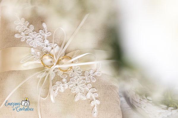 Le fotografie dei dettagli del matrimonio: le fedi