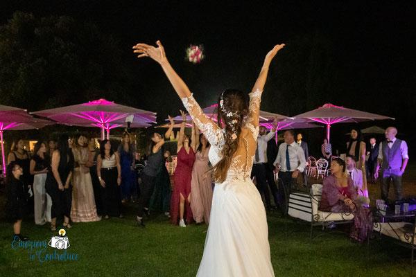Il lancio del bouquet della sposa - Villa Rosantica