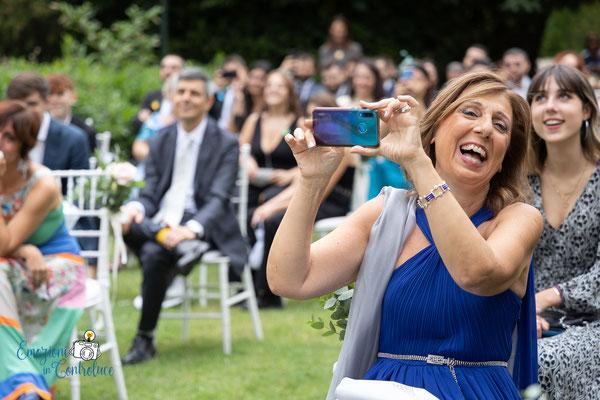 la celebrazione del matrimonio: gioia e risate