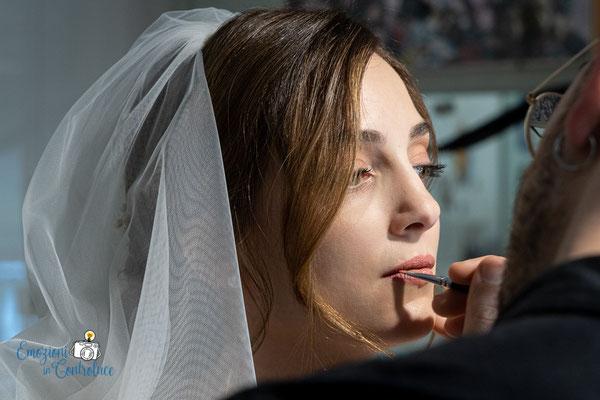 Luigi e Costanza: ultimi dettagli della preparazione della sposa