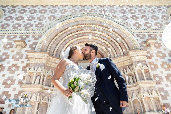Danilo ed Erica: il lancio del riso sugli sposi - Basilica di Santa Maria di Collemaggio
