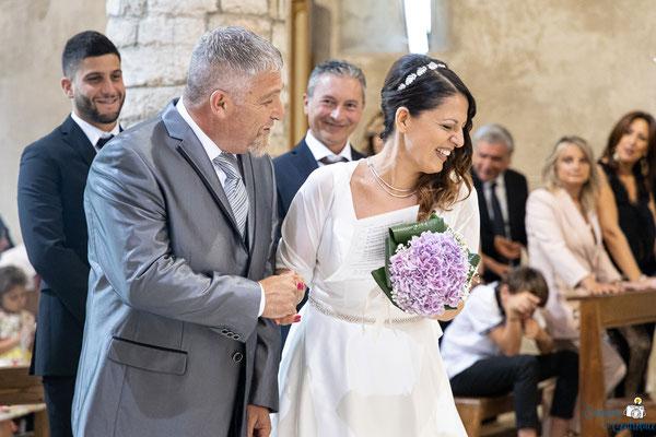 L'ingresso degli sposi in chiesa