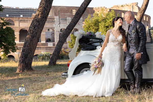 le fotografie dopo la cerimonia: gli sposi al colosseo