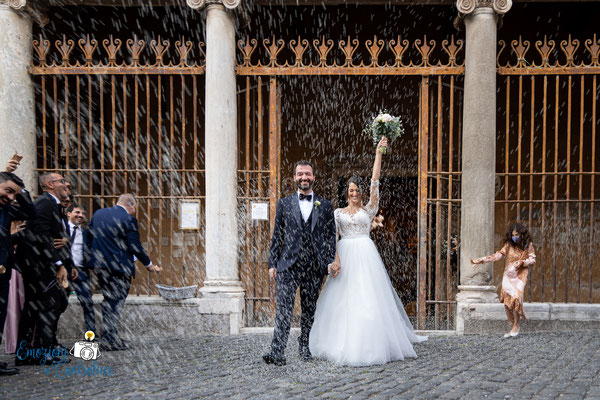 Uscita degli sposi e lancio del riso a San Giorgio in Velabro a Roma