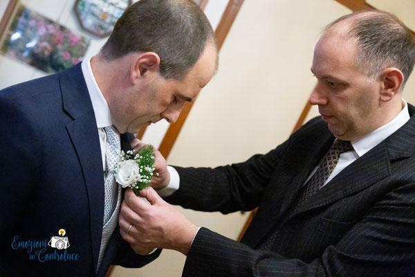 Ultimi dettagli fotografati a casa dello sposo