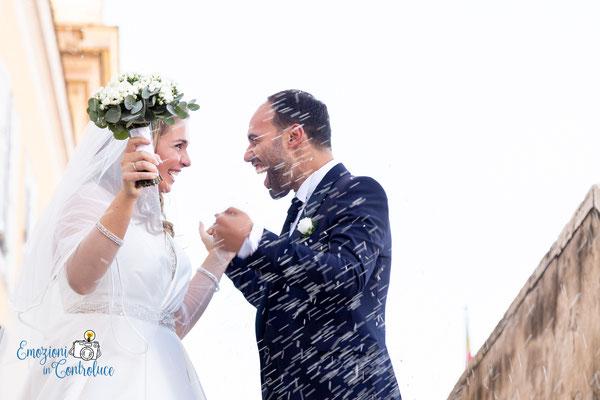 Il lancio del riso dopo il matrimonio a San Pietro in Montorio, Roma (Gianicolo)
