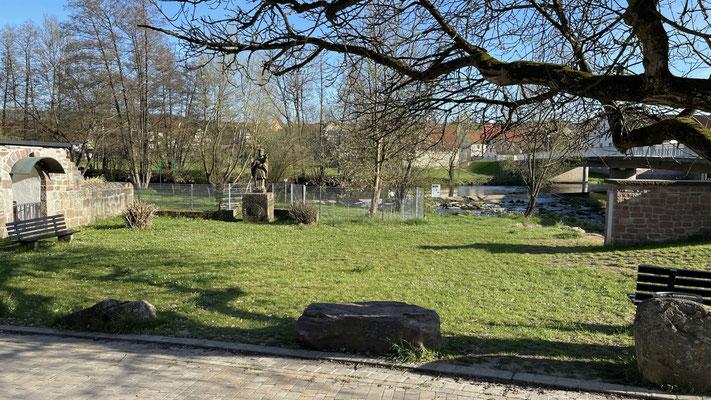 Ort: An der Saale, bei der Einmündung zum Schafhof