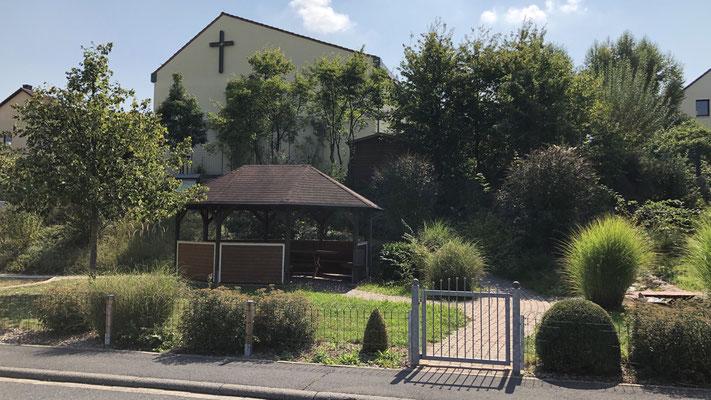 Platz der Generationen / Ort: unterhalb der Dorfkirche