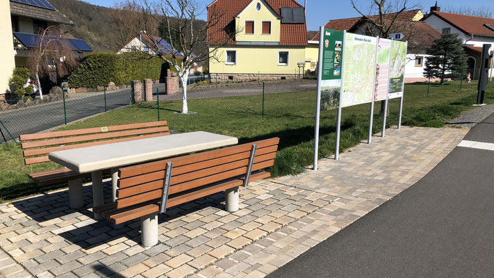 Ort: Hauptstraße, Einmündung zum Wässerungsweg