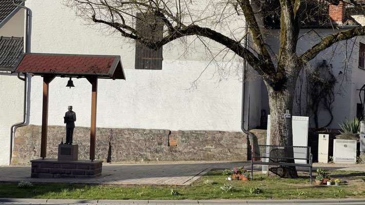 Ort: Hauptstraße, am Hallas