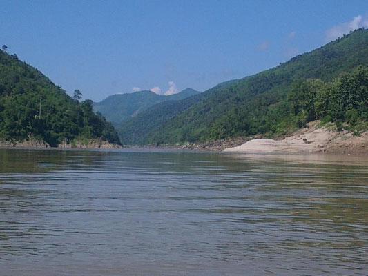 ....und gemütlich den Mekong hinab....