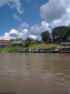der Hafen von Houay Xai.....