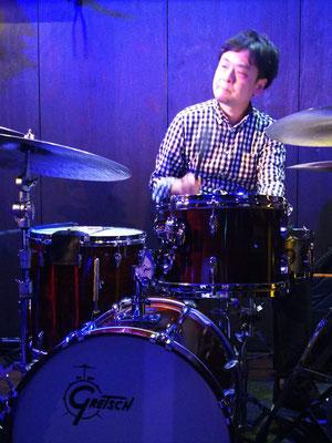 亀井孝太郎ドラム