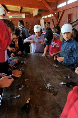 Une classe pédagogique de cotte de maille, Château de Calmont d'Olt