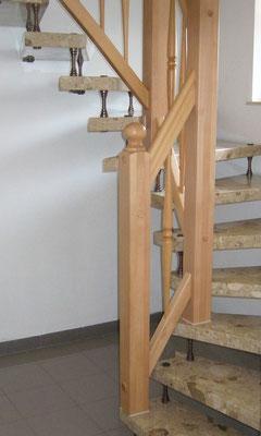 """Holztreppe an und auf Beton """"Wiepenkathen"""" (1) - Foto: Käppler BauTischlerei"""