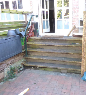 """Treppe im Außenbereich """"Fischmarkt"""" - Foto (1): KÄPPLER BauTíschlerei"""