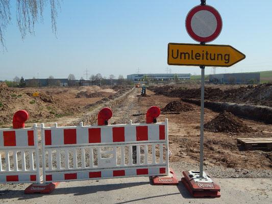 Der aufgebrochene Römerweg voraus, archäologische Untersuchungen.